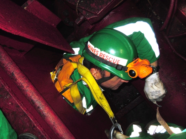 Enclosed space entry drills become mandatory from January 2015