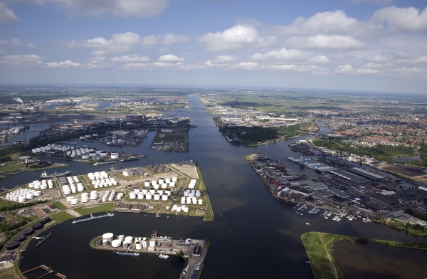 Amsterdam City Council has agreed to the construction of a new large sea lock. Image courtesy of the Port of Amsterdam.
