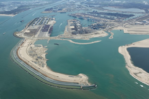 Rotterdam World Gateway has now actively started commercial activities