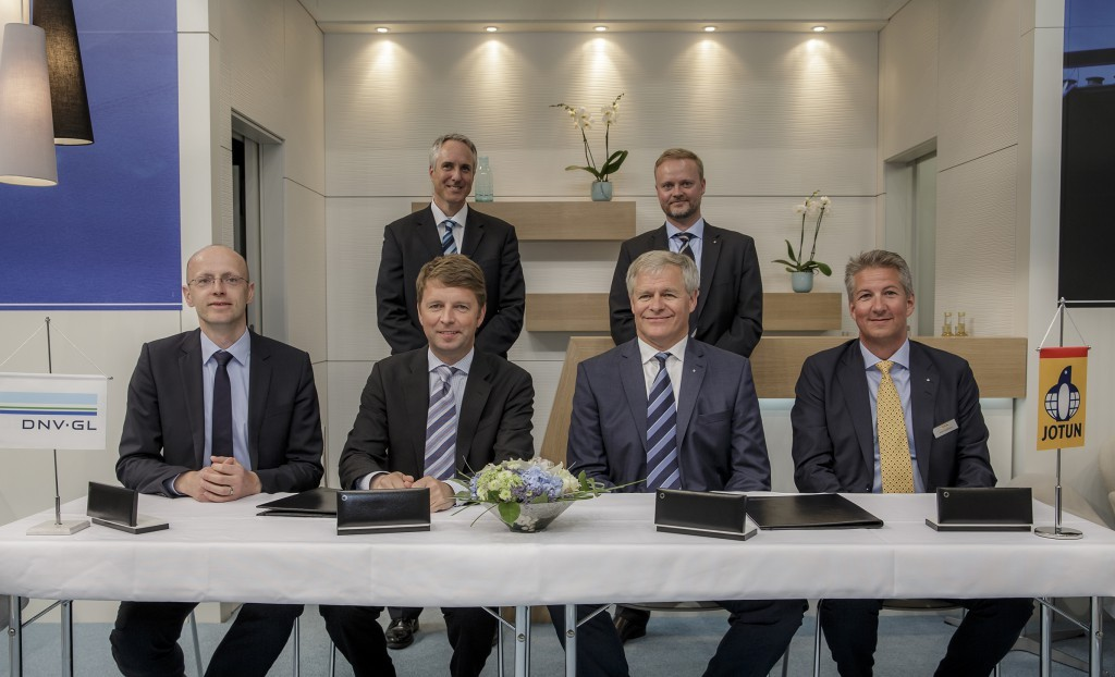 Representatives from DNV GL and Jotun following their announcement that they plan to work together to tackle hull performance and degradation