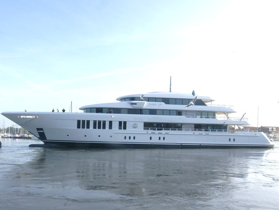 Hakvoort announces the launch of its largest ever superyacht Just J