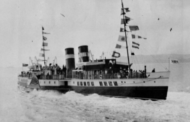 Old archive photo of the paddle steamer Waverley. Image: Waverley Excursions